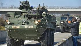 Z Rozvadova vyrazil konvoj amerických a britských vojáků