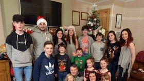 Rodina Radfordů slaví vždy Vánoce společně.