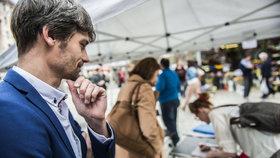 Aby mohl Hilšer kandidaturu uskutečnit, požadoval od lidí čtvrt milionu korun