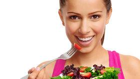 Vegetariáni, pozor: Zelenina slyší, když je pojídána, a brání se.