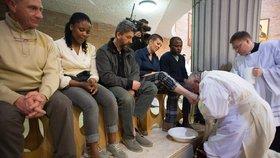 V roce 2015 myl papež František nohy vězňům (mužům i ženám) v římské věznici Rebibbia.