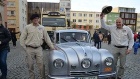 Cestovatelé dorazili s konvojem po 18. hodině na náměstí do Zlína.