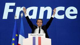 Macron porazil Le Penovou, shodují se odhady