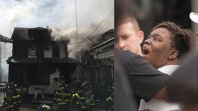 Při požáru newyorského domu zemřelo pět lidí včetně tří dětí.