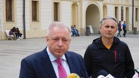 Ministr vnitra Milan Chovanec (ČSSD) navštívil prezidenta.