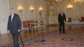 Prezident Miloš Zeman předčasně odešel z tiskové konference s premiérem Bohuslavem Sobotkou (ČSSD).