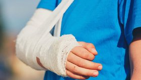Místo peněz za pracovní úraz dostala zraněná zaměstnankyně výpověď