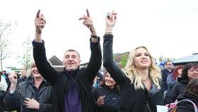 Babišovi zahráli Krajčo s kapelou Kryštof i během jeho rozlučky s ministerstvem financí na Čapím hnízdě