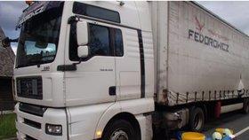 Kamion na opravované silnici v Jeseníkách způsobil škodu 6 mil. Kč.