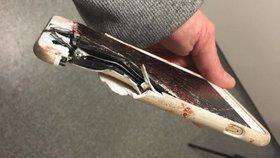 iPhone Lisy Bridgettové je kompletně zničený, zachránil jí ale život.