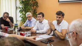 Zasedání v Českých Budějovicích ohledně postupu Jiřího Zimoly