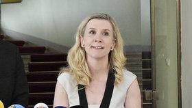 Ministryně školství, mládeže a tělovýchovy Kateřina Valachová vystoupila 1. června v Praze na tiskové konferenci k aktuální situaci ve sportu. Na snímku vlevo je předseda Českého veslařského svazu Dušan Macháček.