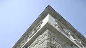 Petschkův palác byl za 2. sv. v. sídlem gestapa.