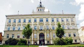 Základní škola Tyršova v Novém Jičíně se zahalila do smutku. Zesnulý kantor tady působil od počátku 90. let.