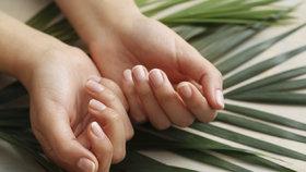 Pohled na nehty odhalí cukrovku i vysoký tlak. Naučte se v nich číst