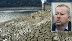 Ministr životního prostředí Brabec upozorňuje: Česko dramaticky vysychá, rychleji, než jsme mysleli.
