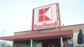 Supermarket Kaufland prodával šizené klobásy.