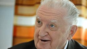 František Čuba přeposlal v pondělí svůj senátorský plat Studijnímu fondu Iva Valenty, avšak jej neposlal celý.
