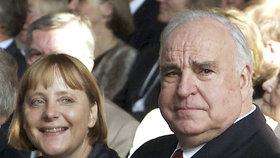 Bývalý německý kancléř Helmut Kohl s Angelou Merkelovou v roce 2000