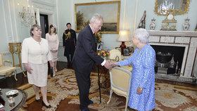 Blahopřejný dopis k výročí sto let od vzniku samostatného Československa poslala na Pražský hrad i britská královna Alžběta II. (ilustrační foto)
