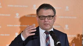 Lubomír Zaorálek zatím nezastavil propad ČSSD, volilo by ji 12 procent voličů.