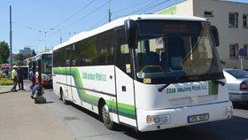Nové dopravní slevy pro studenty a seniory bude možné uplatit i na linkách MHD, které vyjíždějí z měst