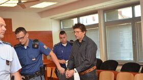 Pfeifer vědomě šířil HIV, vyslechl si rozsudek 11,5 roku ve vězení.