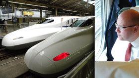 Premiér Sobotka se svezl japonským rychlovlakem - populárním šinkanzenem.