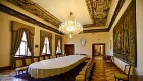 Gobelínový sál Hrzánského paláce, náhradního sídla české vlády