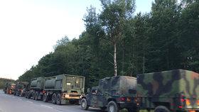 Konvoj americké armády brzdil dopravu na D1.