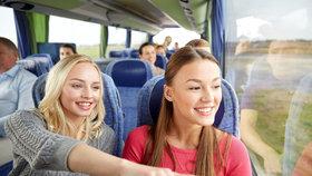 Úbytek počtu cestujících v pravidelné autobusové dopravě pokračuje i letos, v prvním čtvrtletí v ní cestovalo 75,9 milionu lidí, meziročně o 3,5 milionu méně.