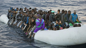 Evropská komise posílá Česko k soudu. Kvůli uprchlickým kvótám.