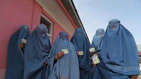 Nechtěné burky a nikáby: Po Francii zakázala zahalování žen včetně obličejů i Belgie.