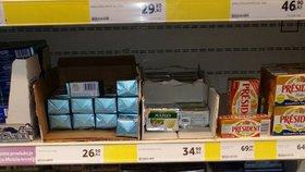 Řetězce o víkendu zlevnili máslo o pár korun, lidé šíleli.