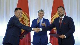 Česká společnost Liglass Trading v pondělí podepsala s Kyrgyzstánem dohodu o výstavbě a provozu dvou hydroelektráren.