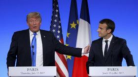 Donald Trump a francouzský prezident Emmanuel Macron při setkání v Paříži