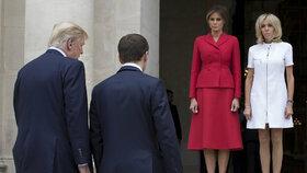 První dámy čekají. Trumpovi vyrazili do Francie, přivítali je Macronovi.