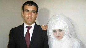 Radžabi Kuršedovou manžel dohnal k sebevraždě.