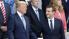Vojenská přehlídka v Paříži: Čestným hostem, který usedl vedle prezidenta Macrona, byl Donald Trump.