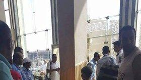 Zraněné turistky byly převezeny do místní nemocnice.