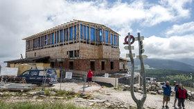 Stavba nové Petrovy boudy