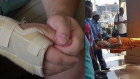 Přítel zraněné Češky Lenky v Egyptě popsal útok.