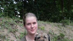 Alžběta se svým psím hrdinou Bártem