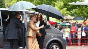 Německá kancléřka Angela Merkelová s manželem Joachimem Sauerem vyrazili v Norimberku na operu.