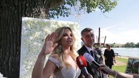 Svatba Moniky a Andreje Babišových proběhla právě na Čapím hnízdě