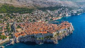 V úterý část moře a pláží v oblíbeném letovisku českých turistů Dubrovníku, zasáhly fekálie.