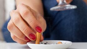 Nekuřáků podle průzkumu mezi r. 2016 a 2017 přibylo o tři procenta, stále více lidí se rozhoduje přestat s kouřením
