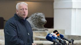 Milan Chovanec po jednání  sněmovní komise k únikům informací z vyšetřovacích spisů