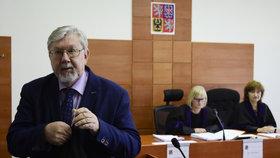 Ústavní právník Aleš Gerloch: Snižme hranici pro vstup do Sněmovny.