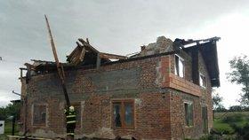 V Bohuslavicích vichr poškodil až 80 domů, škody v milionech.